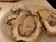 そうだ、生牡蠣を食べよう