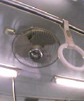 京成電鉄の夏の扇風機が嫌だ。