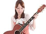 OLシンガーソングライター Amie