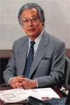 井関利明先生