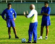 サッカー指導者