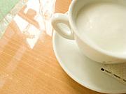 ホットミルクで煮沸消毒。