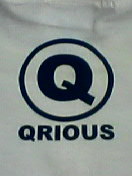 QRIOUS T-shirts こみゅにてぃ