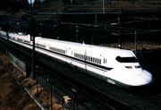 東京-大阪間 新幹線で2時間半