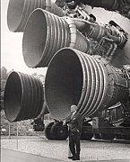 サターンV型ロケットが好き♪