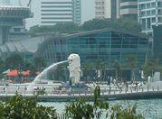 暇人 in SINGAPORE