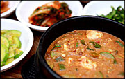 チョングッチャン(納豆チゲ鍋)