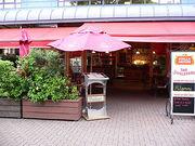 赤いカフェ☆