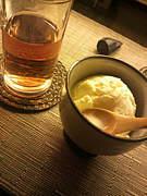バニラアイスにはHOT烏龍茶。