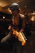 秋山一将(Guitarist)