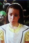 黄色い服のアリス