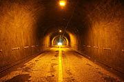 トンネルで息とめ