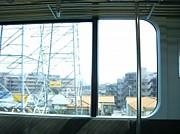 高架を走る電車
