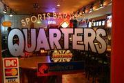 スポーツバー&カフェ QUARTERS