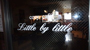 cosy cafe Little by Little