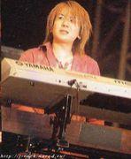 拳でピアノが弾ける。by kiyo