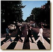 横断歩道をゆっくり歩かせて