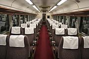 列車の窓と座席の位置関係