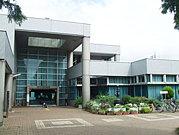 高津図書館