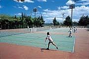 吹田のコートでテニス