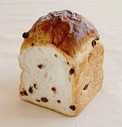 ぶどうパンのぶどう抜いて食べる