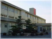 西朝明中学校