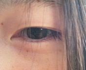 目がしばしばする。