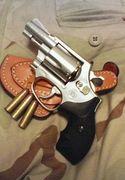 コンパクトな銃がスキ