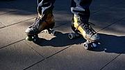 Roo��ler Skate!!