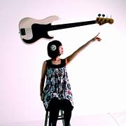 サトウトモミ (Vocal&Bass)