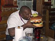 巨大食品を残さず食べる部