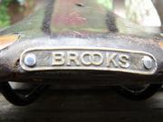 サドルは『BROOKS』