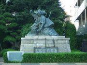 世界銅像奇行