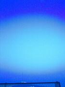 この青空の果てにあるのは青一色