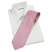 ネクタイはピンク♪