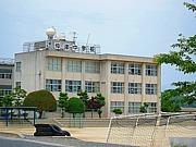 仲津中学校