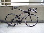 個性的なフレームの自転車