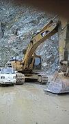 大型重機・発破・採石・砕石業