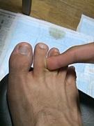 足の指の間をほじった指の匂い