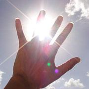 手のひらを太陽にっ