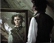 割れた鏡の中