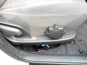 運転席の下に物が落ちる