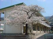 枚岡東小学校