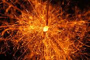アリの巣に線香花火を落とす会