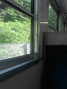 窓枠の落書き