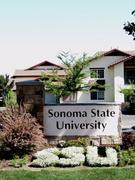ソノマ州立大学