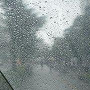 自分、雨です