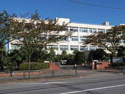 2006年卒業羽村高校3年5組の教室