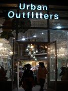 Urban Outfitters�ˎԎפ줿!!
