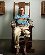 電気椅子 electric chair